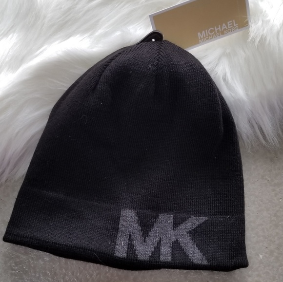 0e4789dc2c4 MICHAEL KORS BEANIE no offers pls